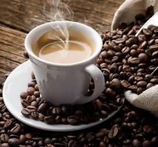 Le café pour un petit déjeuner avec beaucoup de bienfaits