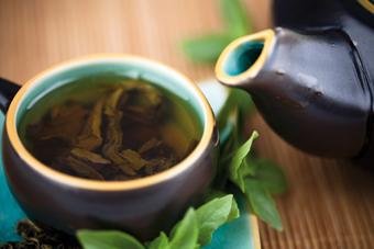 Le thé vert, une boisson drainante pour maigrir