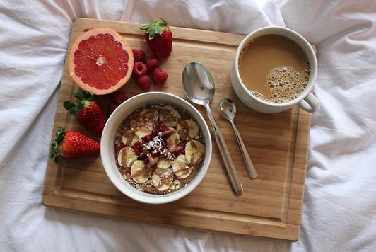 petit déjeuner sain faible en gras